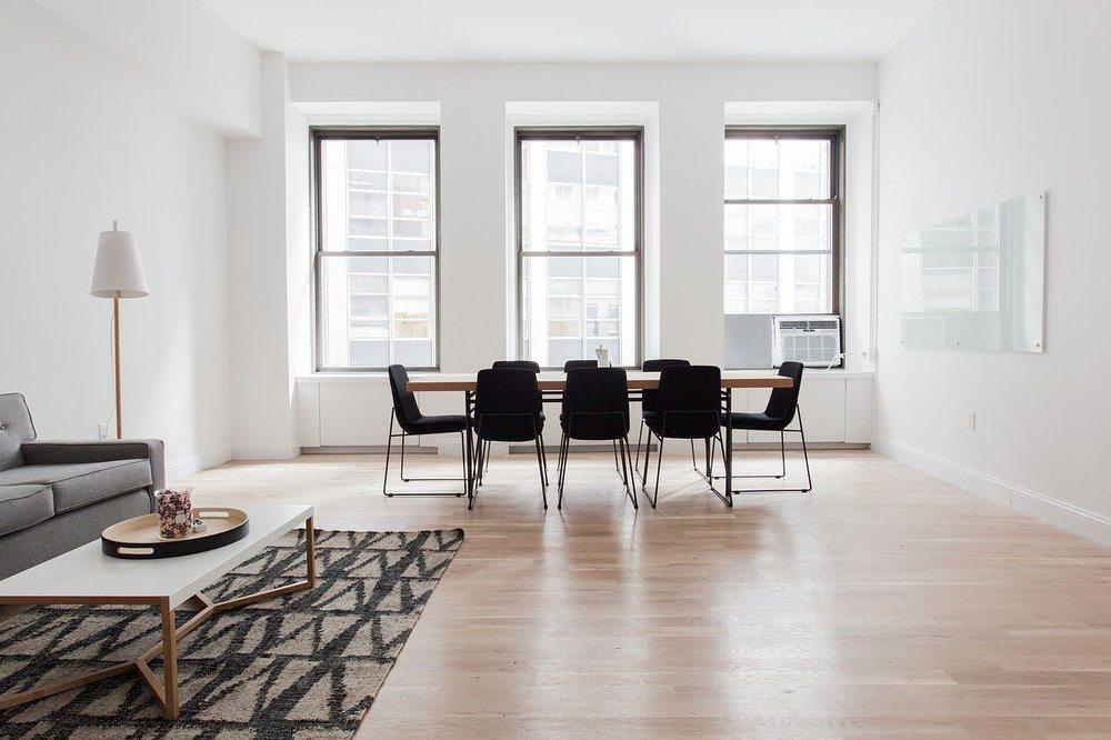 Få et smukt og ensartet trægulv med en professionel gulvafslibning